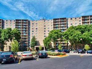 6340 Americana Dr #507 Willowbrook, IL 60527