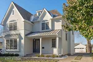 826 S Grove Ave Barrington, IL 60010