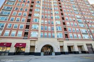 77 S Evergreen Ave #1004 Arlington Heights, IL 60005