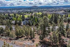 2850 NW Lucus Ct Bend, OR 97703