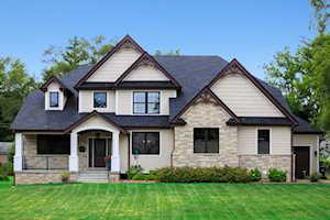 4408 Stonewall Ave Downers Grove, IL 60515