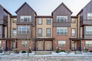 331 Aspen Pointe Rd Vernon Hills, IL 60061