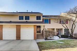 1084 Hidden Lake Dr #20-6032 Buffalo Grove, IL 60089