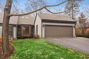 81 Warrington Dr Lake Bluff, IL 60044
