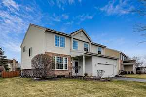 1815 Avalon Dr Wheeling, IL 60090