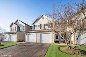 1348 Brookdale Dr Carpentersville, IL 60110
