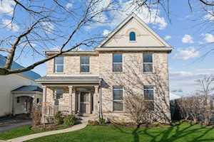 24 Pralls Loop Highwood, IL 60040
