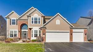 3512 Carlisle Ln Carpentersville, IL 60110