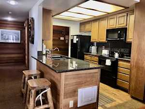 925 Lakeview #3 Mammoth Lakes, CA 93546