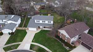 7 Charles Ct Buffalo Grove, IL 60089