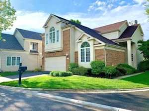 137 Manchester Ct Buffalo Grove, IL 60089