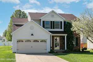 3904 Orchard Lake Dr Louisville, KY 40218