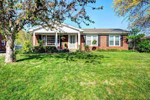 8407 Siesta Way Louisville, KY 40219