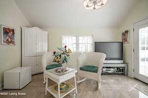 7603 New La Grange Rd Louisville, KY 40222