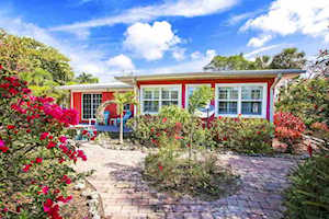 5859 Pine Tree Dr Sanibel, FL 33957