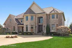 213 Justins Ct Vernon Hills, IL 60061