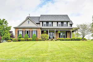 4615 Grand Dell Dr Crestwood, KY 40014