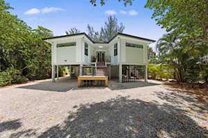 770 Donax Street Sanibel, FL 33957