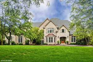 36 Old Lake Rd Hawthorn Woods, IL 60047