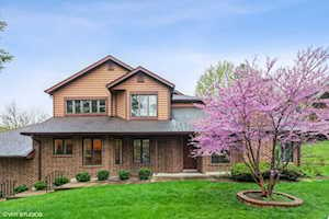 1100 Mistwood Ln Downers Grove, IL 60515