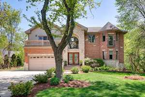 705 Glendale Dr Prospect Heights, IL 60070