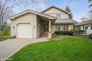 1748 Maclean Ct Glenview, IL 60025