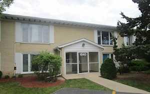 1840 W Surrey Park Ln #1C Arlington Heights, IL 60005
