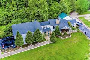 1381 Birdie Rd Lawrenceburg, KY 40342