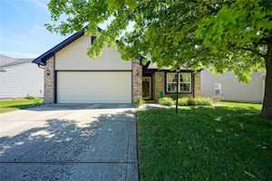 6043 White Birch Dr Fishers, IN 46038