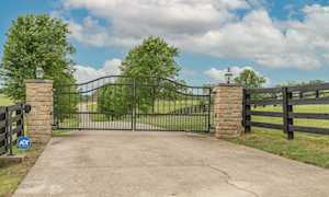 2955 McClure Rd Winchester, KY 40391