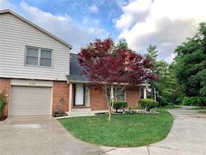 9126 Cinnebar Dr Indianapolis, IN 46268