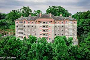 1409 Mockingbird Terrace Dr #503 Louisville, KY 40207