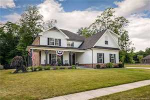 8010 Shady View Dr Charlestown, IN 47111