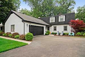 165 Manor Dr Deerfield, IL 60015