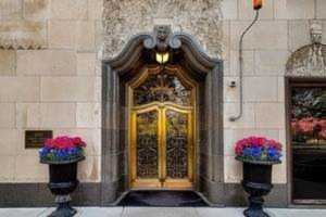 2052 N Lincoln Park Ave W #801 Chicago, IL 60614