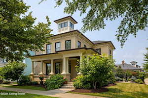 9105 Anemone Dr Louisville, KY 40059