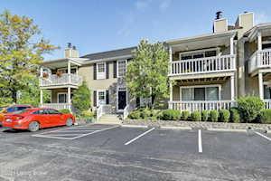 410 Mockingbird Valley Rd #25 Louisville, KY 40207