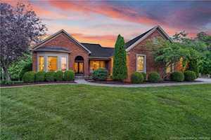 3010 Fox Hill Dr Floyds Knobs, IN 47119