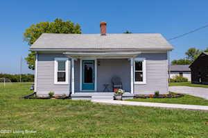 3407 Cedar Point Ln La Grange, KY 40031