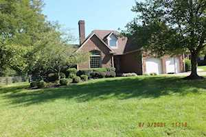 4393 Colby Rd Winchester, KY 40391
