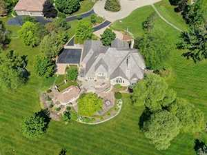 1721 Lakeview Terrace Libertyville, IL 60048
