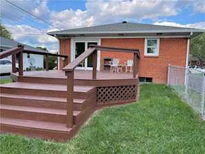 22 Chester Dr Beech Grove, IN 46107