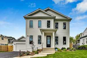 415 Windsor Terrace Libertyville, IL 60048