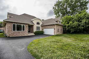 624 S Butterfield Rd Libertyville, IL 60048