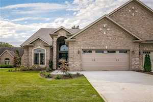 8054 Lakeside Quarry Dr Jeffersonville, IN 47130
