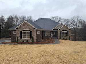 8877 Lake Point Dr Georgetown, IN 47122