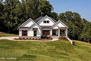 5500 Farmhouse Dr Crestwood, KY 40014
