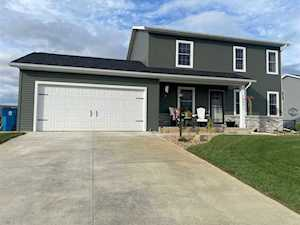 12821 Kingfish Court Middlebury, IN 46540