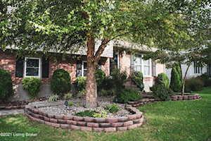 8006 Rochelle Rd Louisville, KY 40228
