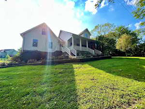 701 Valley Dr Richmond, KY 40475